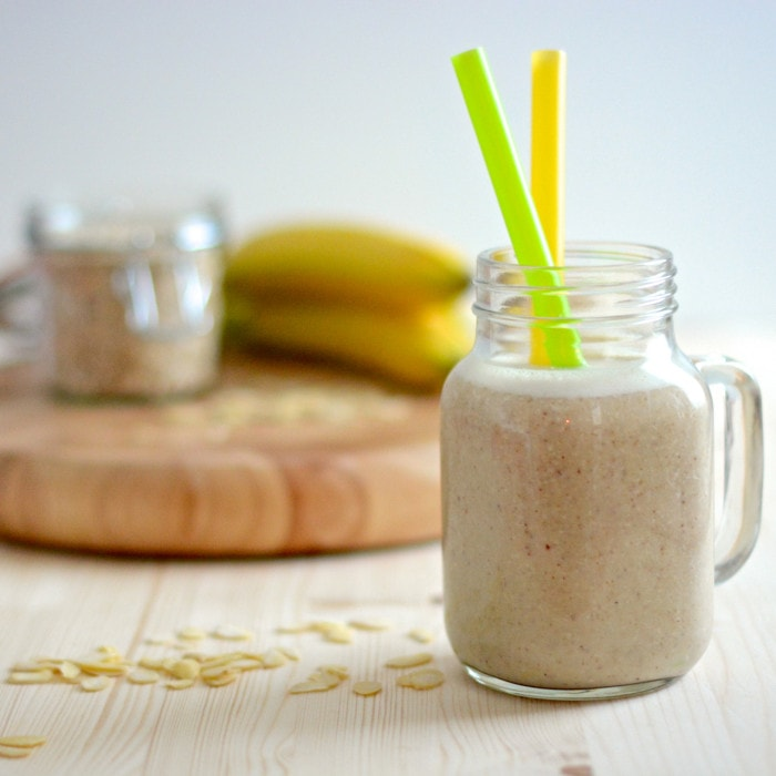 Banana and almond smoothie straw
