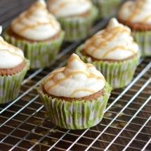 Caramel Macchiato Cupcakes Rack