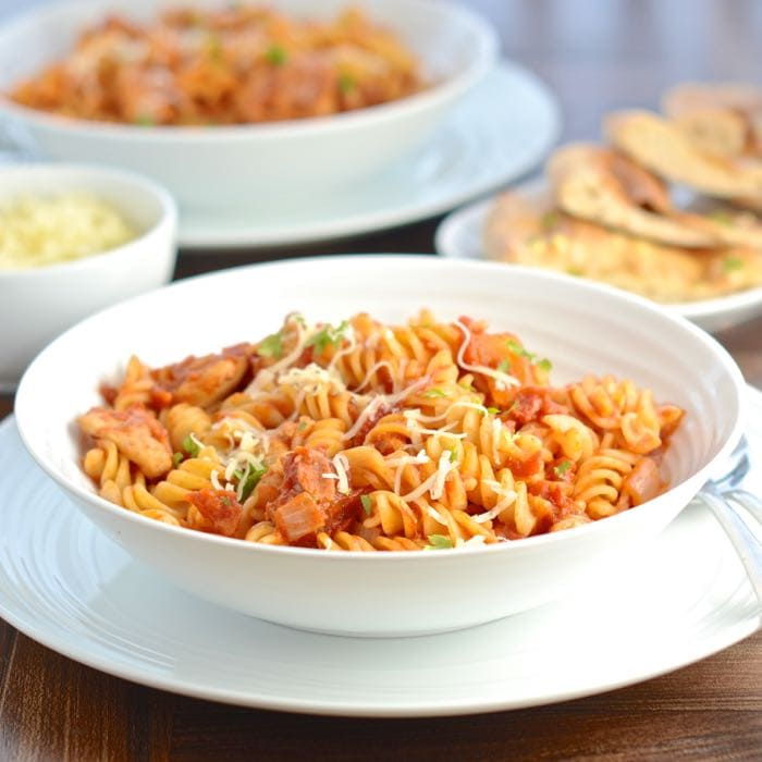 Barbecue Chicken and Bacon Pasta - Make pasta more interesting with succulent chicken and smoky bacon in a sweet barbecue sauce.