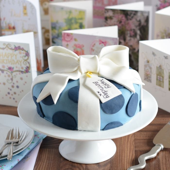 How To Decorate A Birthday Cake Look Like Present Complete With Fondant