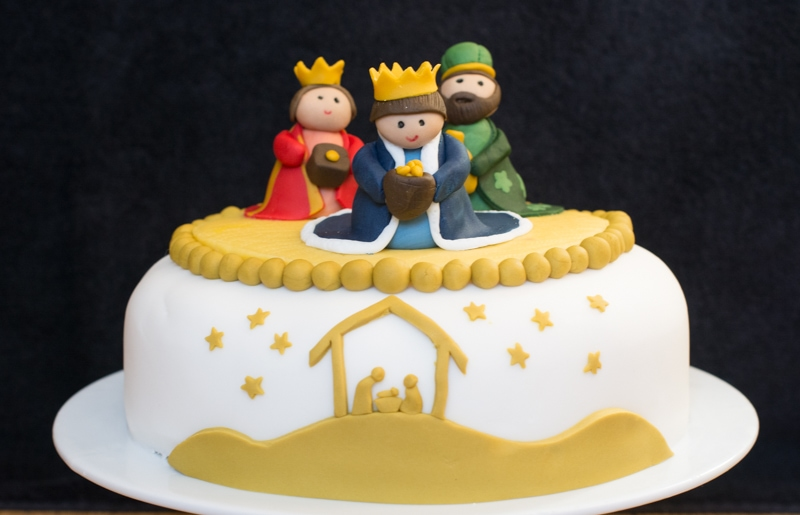 ... cake I decided to have a three kings theme on my Christmas cake this