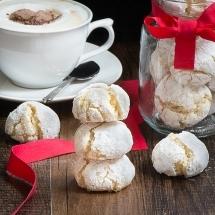 Amaretti-biscuits-18