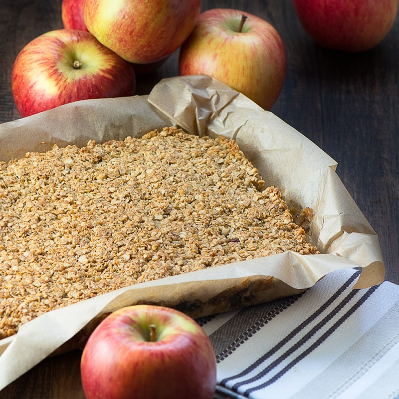 Apple-crumble-flapjack-11