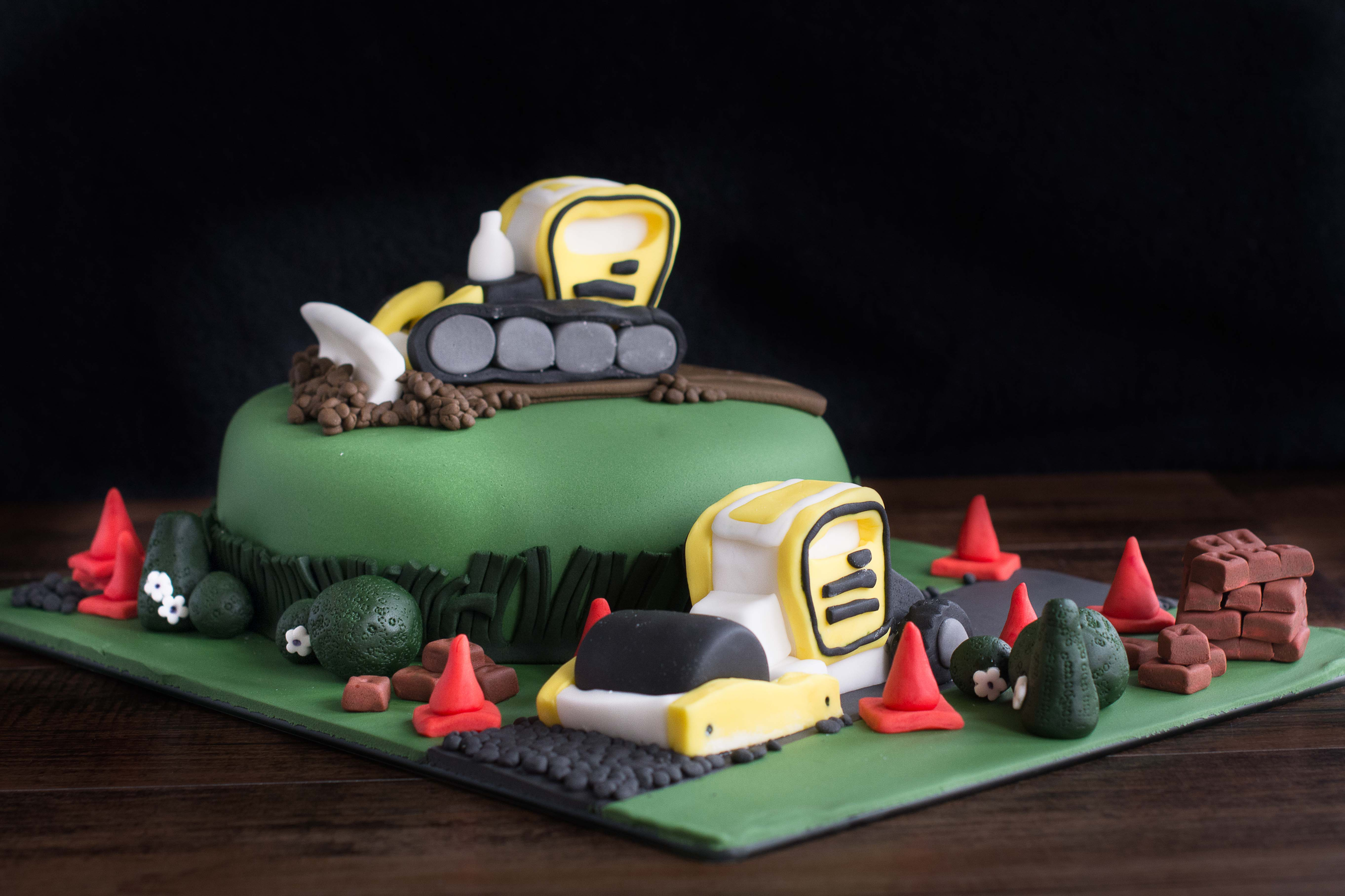 Digger-Birthday-Cake-3