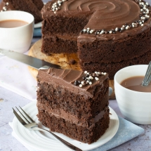 An easy chocolate cake that's moist, delicious and packed full of chocolate. It can be made in any size of round, square or rectangular tin so you can use whatever tins you have in the cupboard, and can feed a few or a whole crowd.