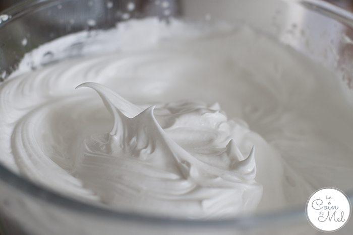 Vegan meringue in a bowl