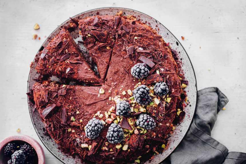 Vegan chocolate mousse cake.
